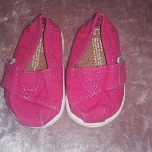 Zapatos TOMS para niña.